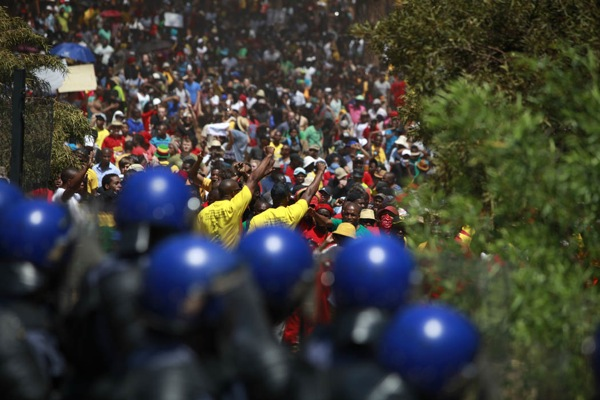 Students march to the Union Buildings in Pretoria October 23, 2015 Photo: M&G / Oupa Nkosi
