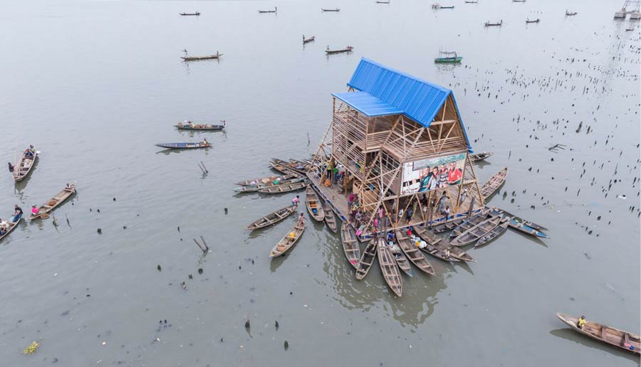 The Makoko Floating School was built for the Makoko water community in Lagos. (Pic:  NLÉ / Iwan Baan)
