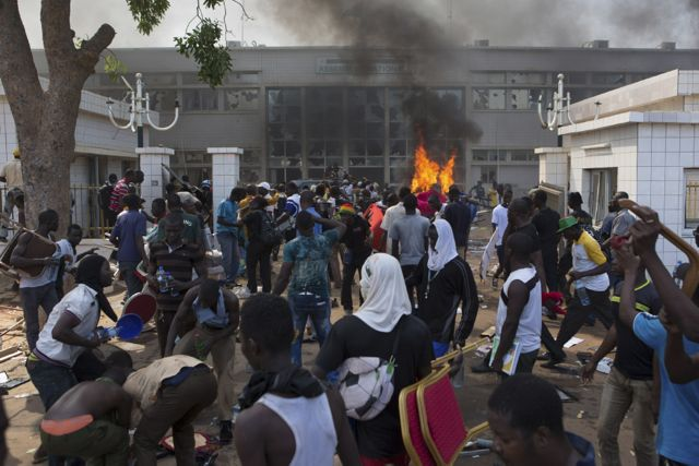 Anti-government protesters set fire to the Parliament building in Ouagadougou, capital of Burkina Faso on October 30 2014. (Pic: AFP)